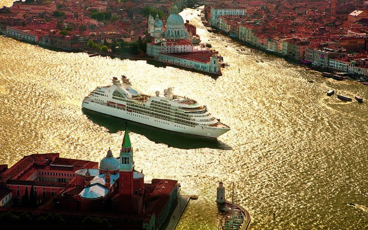 Seabourn Odyssey, Seabourn Cruise Line